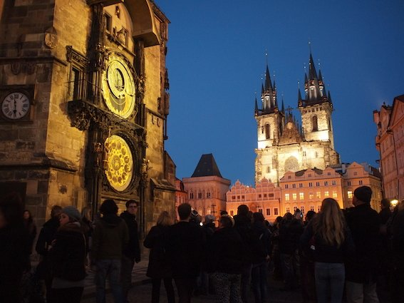 Praga, Zegar Orloj na ścianie wieży ratuszowej.