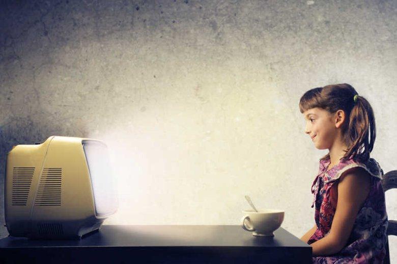 Dzieci nie powinny oglądać telewizji co najmniej do 3 roku życia