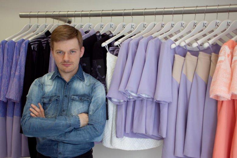 Krzysztof Stróżyna w swoim butiku przy ul. Mokotowskiej.