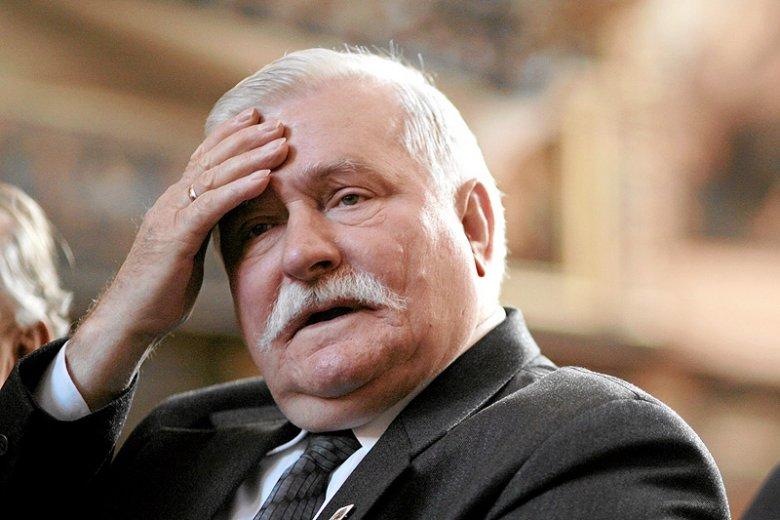 Lech Wałęsa był pierwszym niekomunistycznym premierem, które wybrano w 1999 roku? Tak twierdzą polscy studenci.
