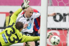 Piotr Rocki jest w ciężkim stanie po pęknięciu tętniaka. Rodzina byłego piłkarza prosi o wsparcie i modlitwę.