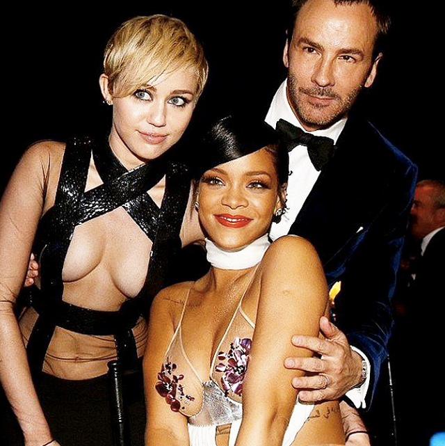 Miley i Rihanna w ich nagich sukienkach.