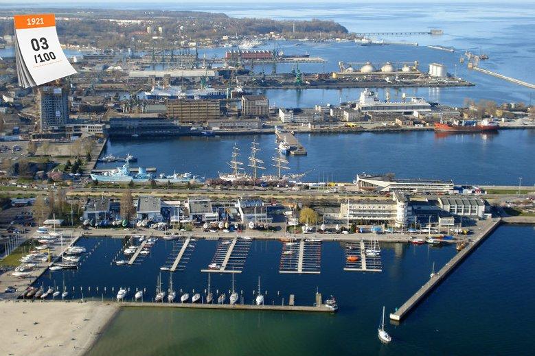 Przed budową portu Gdynia była osadą ze 135 rybakami i 6 kutrami. W kilkanaście lat liczba jej mieszkańców wzrosła o kilkadziesiąt tysięcy