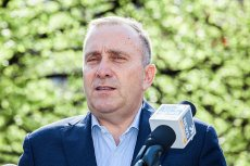 Przewodniczący PO Grzegorz Schetyna zapowiedział, że jego partia w najbliższych dniach przedstawi pomysł pomocy niepełnosprawnym alternatywny wobec nowego podatku proponowanego przez Mateusza Morawieckiego.