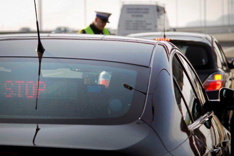 W czasie długiego weekendu należy spodziewać się dodatkowych patroli policyjnych na drogach.