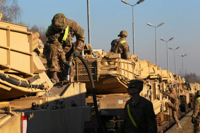 Amerykańskie czołgi już są w Polsce. Tyle, że pięć zostało po drodze w Niemczech, bo wjechały pod za niskie mosty i uległy uszkodzeniom.