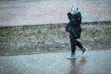Na południu Polski sypnie śniegiem, a na północy spodziewane są oblodzenia.