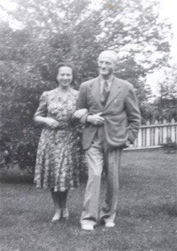 Kochające się rodzeństwo, Toronto 1945 r.
