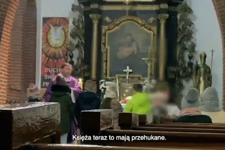 """Niektórzy księża krytykują film braci Sekielskich """"Tylko nie mów nikomu"""" na Twitterze."""