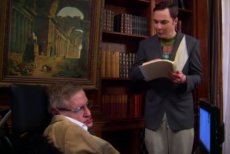"""Profesor Stephen Hawking na planie serialu """"Teoria wielkiego podrywu""""."""