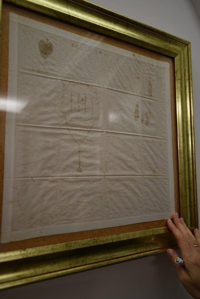 Hemiografie - rysunki i teksty o tematyce świętej pojawiające się na tkaninach mających styczność ze stygmatami Natuzzy