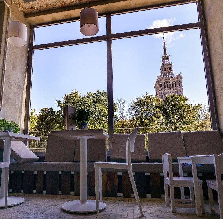 Spacca Napoli to jedna z nielicznych włoskich restauracji w Warszawie o nowoczesnym wystroju.