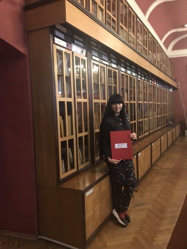Biblioteka Muzeum Ziemi Kłodzkiej. Moc płynąca z korzeni. To właśnie tym rejonom zawdzięczam tak dużo- edukację, świadomość, przyjaźń.
