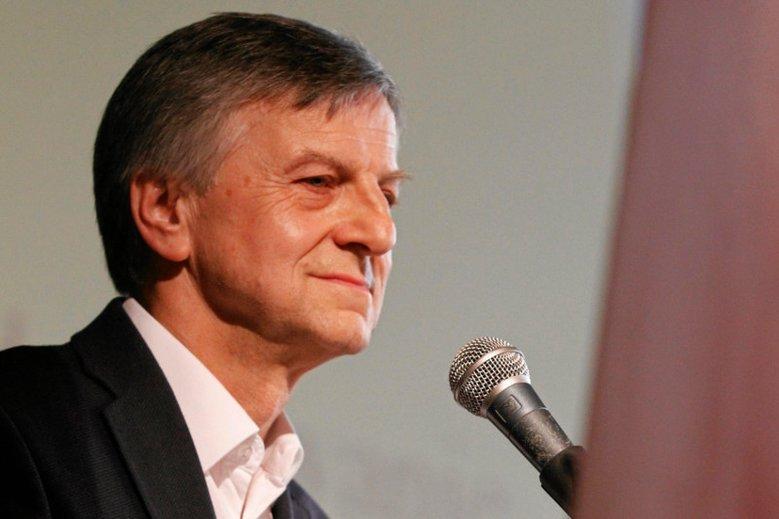 Andrzej Zybertowicz twierdzi, że dziś Żydzi odreagowują swoją bierność wobec Holokaustu na Palestyńczykach.