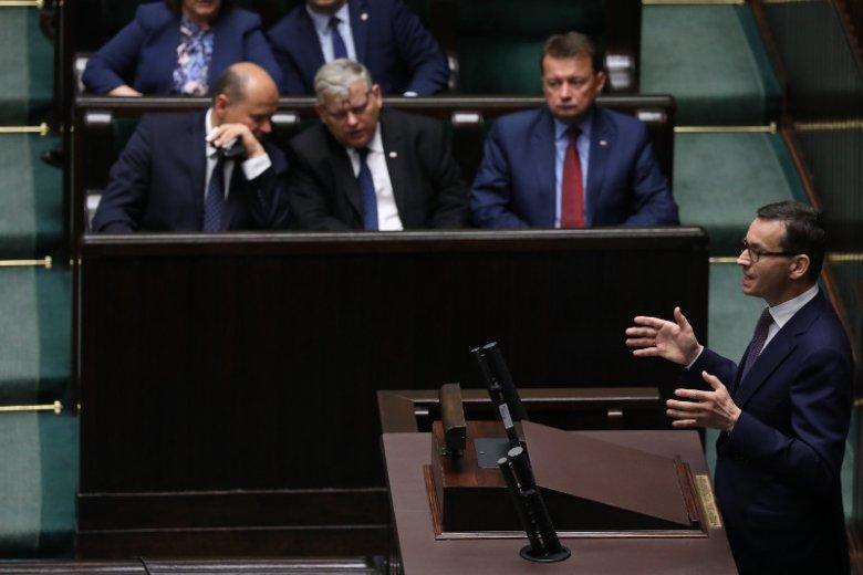 Mateusz Morawiecki uzasadnił dziś, dlaczego rząd zmienił plany wobec ustawy o IPN.
