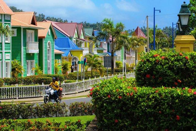 Dominikana, Samana