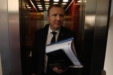 Większość Polaków twierdzi, że Jacek Kurski powinien ustąpić ze stanowiska prezesa TVP.