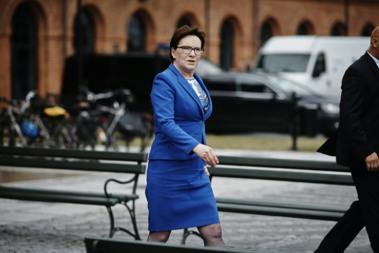 """Ewa Kopacz rzuca rękawicę Jarosławowi Kaczyńskiemu. """"Będę startować z jedynki w Warszawie"""""""
