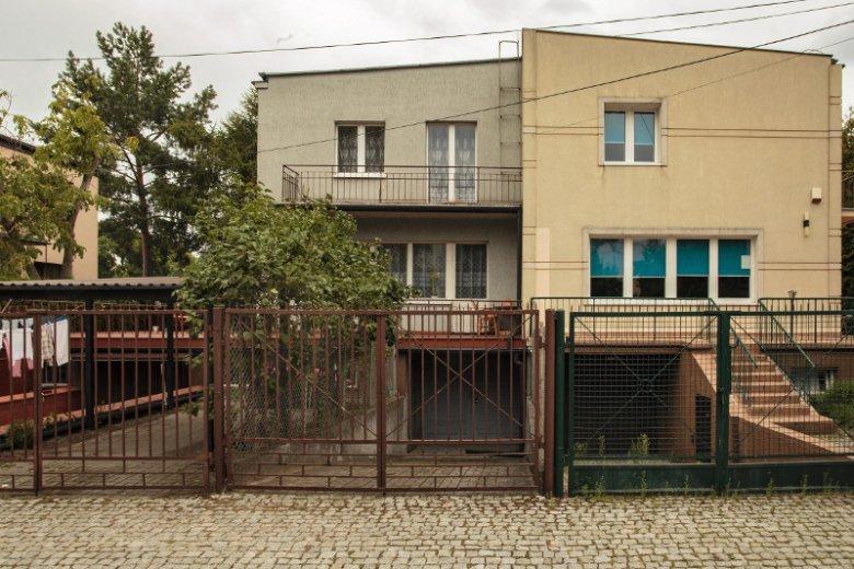 Dom Jarosława Kaczyńskiego na warszawskim Żoliborzu przy ul. Mickiewicza.