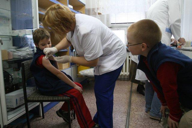 Do warszawskiego szpitala trafiło roczne dziecko z podejrzeniem zachorowania na odrę. Sanepid uzbraja się w szczepionki. Zdjęcie poglądowe.