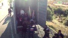 82 imigrantów odnalezionych w ciężarówce w Turcji