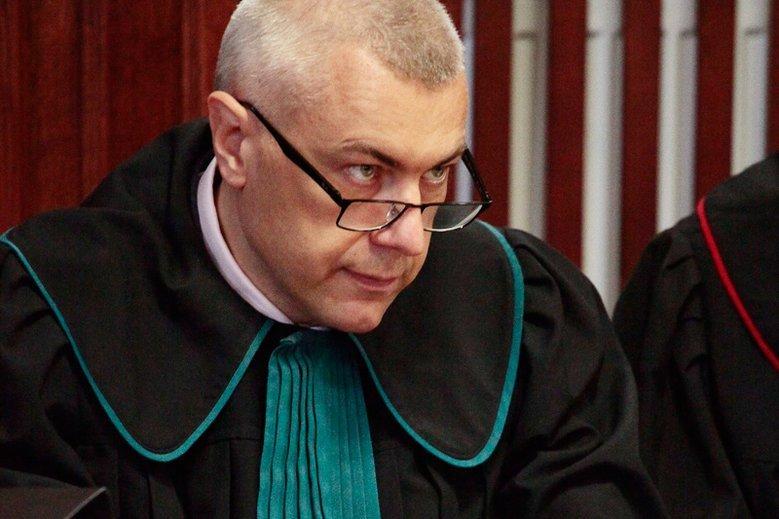 Roman Giertych ujawnił, że przedłoży w prokuraturze film stanowiący kolejny dowód w aferze KNF.