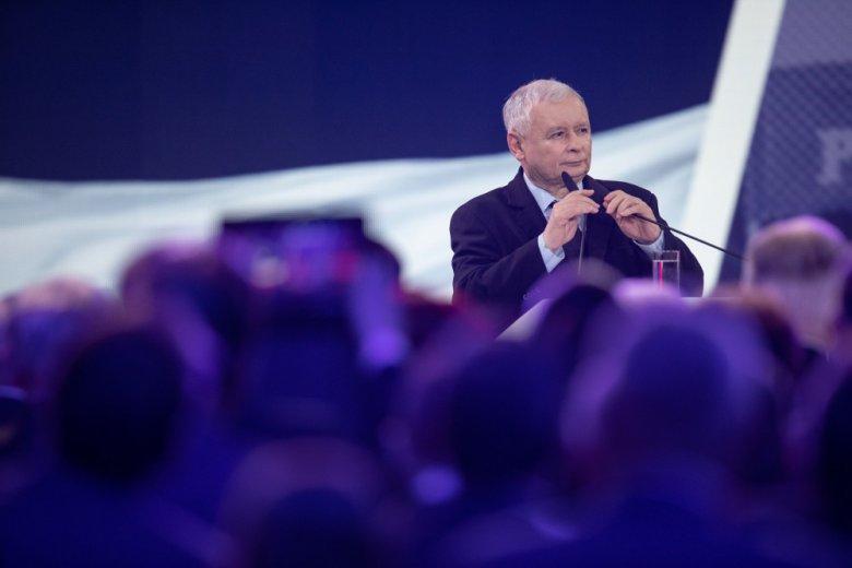 """Prezes PiS obiecał tzw. """"piątkę Kaczyńskiego""""."""