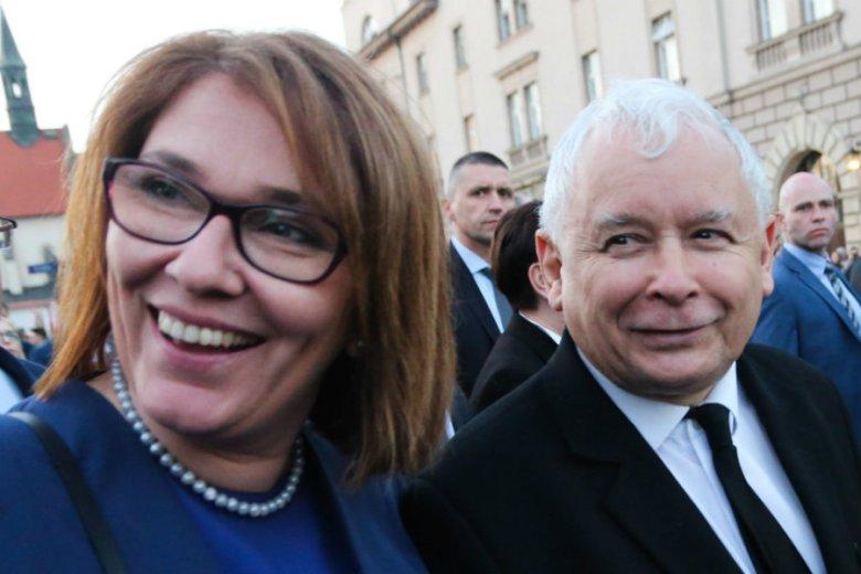 Beata Mazurek i Jarosław Kaczyński wielokrotnie wypowiadali się krytycznie o przybyszach z krajów arabskich.