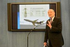Macierewicz wielu kojarzy się z prezentacjami na temat wraku prezydenckiego tupolewa. Internauci wykorzystują ten fakt, by żartować z nowych samolotów dla VIP-ów.