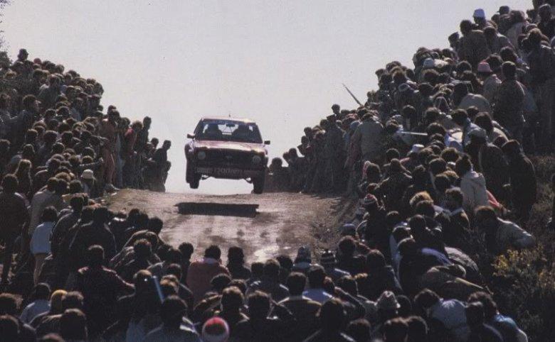 Gdy kierowca umi, może latać między tłumami...