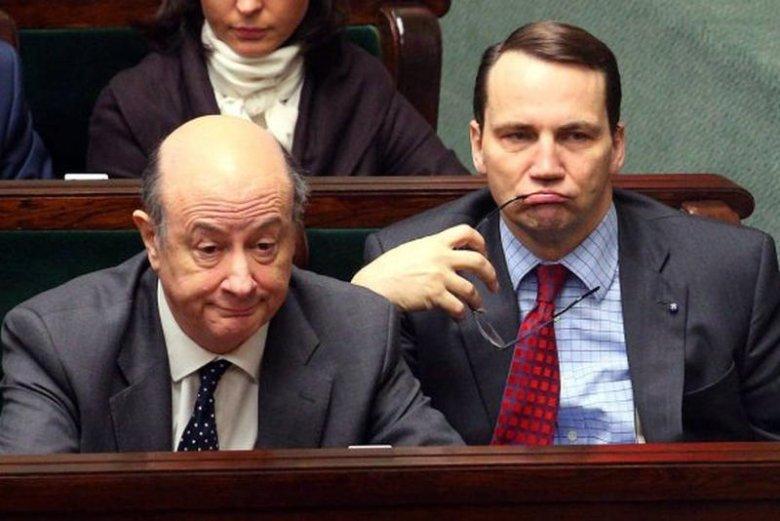 Jacek Rostowski i Radosław Sikorski okazują się znawcami dowcipów. Szczególnie tych dla dorosłych.