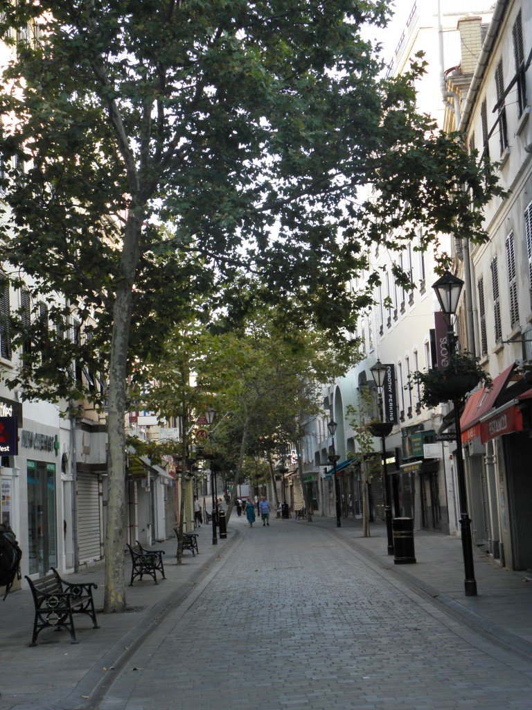 Wejście na Main Street od strony Casemates Square