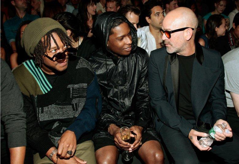 Nowojorski pokaz Y-3, w pierwszym rzędzie: raperzy - Lupe Fiasco, A$AP Rocky i Michael Stipe