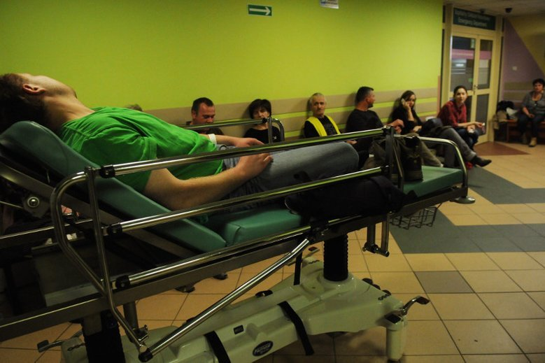 Grafik SOR Szpitala na Bielanach jest porażający.