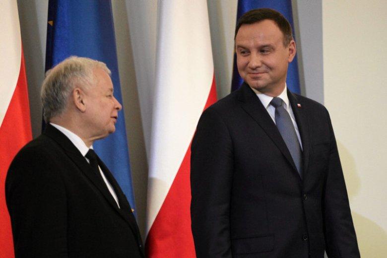 Kancelaria Prezydenta wbija szpilę PiS-owi. Prezydencki minister Krzysztof Łapiński pochwalił polityka, który mocno naraził się na Nowogrodzkiej, posła Łukasza Rzepeckiego.