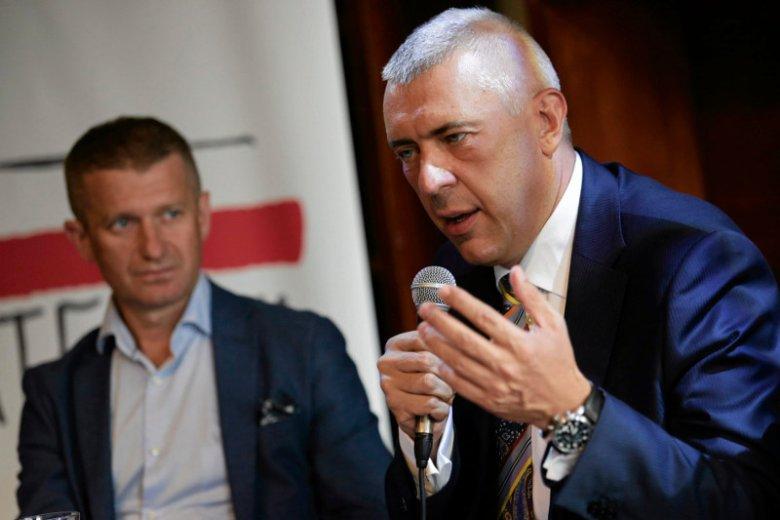 Posłowie z resztki konserwatywnego skrzydła Platformy Obywatelskiej nie sązachwyceni pomysłem pojawienia się Romana Giertycha w partii.