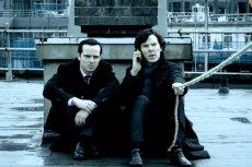 Sherlock Holmes czeka na rozpoczęcie kolejnej rozgrywki ze swoim arcywrogiem, Moriartym.