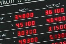 Sprawcy włamania do kantoru przy ul. Świętokrzyskiej mieli ukraść nawet milion złotych w różnych walutach.