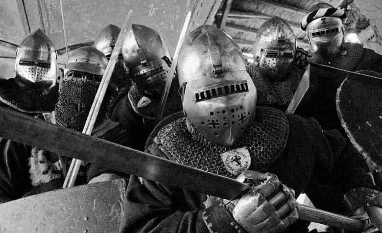 Sportowe walki rycerskie to zajęcie dla prawdziwych twardzieli