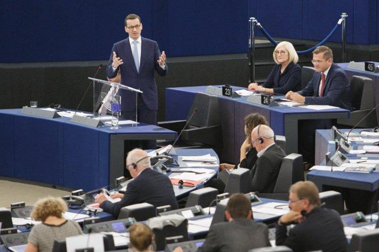 Mateusz Morawiecki występuje w środę przed Europarlamentem.