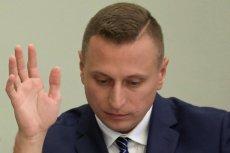 Poseł Krzysztof Brejza interweniuje w sprawie policjanta, który ośmielił się zatrzymać jadącą pod prąd limuzynę z Jarosławem Kaczyńskim w środku.