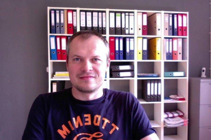 Radosław Popiela - prowadzi agencję nieruchomości, w które sprzedaje mieszkania i domy na terenie Niemiec.