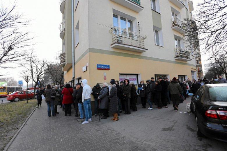 Do Cukierni Zagoździński na warszawskiej Woli kolejki po pączki ustawiają się już nie tylko w tłusty czwartek.