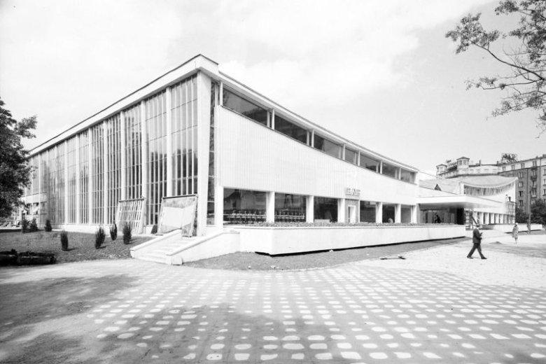 Nowatorska konstrukcja Supersamu była jednym z najlepszych dzieł architektonicznych polskiego modernizmu.