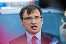 Klub parlamentarny Solidarnej Polski wkrótce może przejść do historii. Coraz więcej polityków opuszcza Zbigniewa Ziobrę.