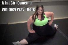 Whitney Thore tańczy i namawia do tego inne dziewczyny, które nie są szczupłe.