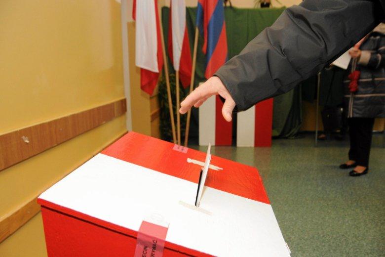 Kandydat popierany przez PiS przegrał z kretesem wybory na burmistrza Kobylina w Wielkopolsce.