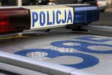 Dramatyczne odkrycie policjantów. Na balkonie w Iławie znaleziono ciała dwóch noworodków.