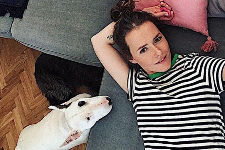 Olga Frycz stara się nie przesadzić z liczbą reklam na swoim Instagramie. A gdy już reklamuje, to produkty, które są spójne z jej wizerunkiem.