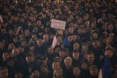 18 grudnia 2019 roku w całej Polsce odbyły się protesty w obronie sądów. W Lesku na Podkarpaciu protestowała jedna osoba.